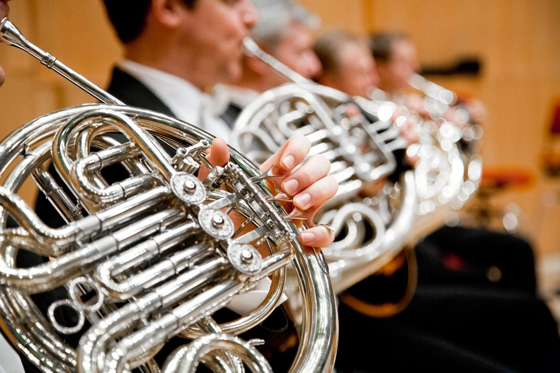 catrin_moritz_guerzenich_orchester_5, horn, musiker, hand